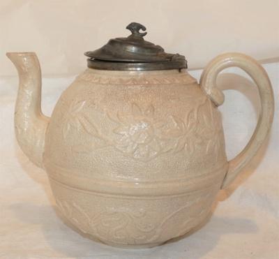 Teapot - porcelain  ; O2019.46