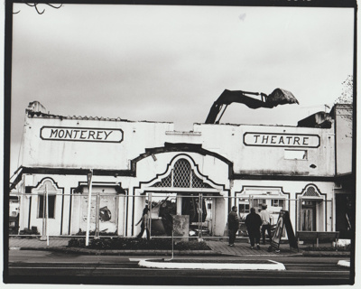 Monterey Theatre in Cook Street undergoing demolition; Bruce Nicholson from the Eastern Courier; 1/07/1998; 2018.001.87
