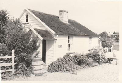 Briody-McDaniel's cottage at the Howick Historical Village.; La Roche, Alan; 1987; P2020.98.04