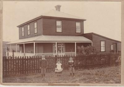 Bell Homestead children.; Zealandia Photo Company; 1898; 2018.050.10