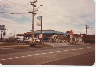Auckland Motors, 1980; 1980; 2017.461.14