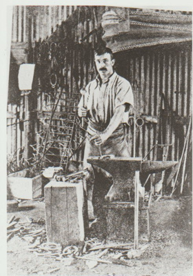 The village blacksmith; Ledez, R (Auckland Weekly News); 1907; 2017.454.45