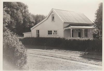 Thomas Heath's Fencible cottage; La Roche, Alan; 1968; 2018.078.00