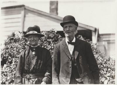 Margaret and Henry (Boney) Andrews; Whites Aviation; 1/11/1930; 2018.300.01