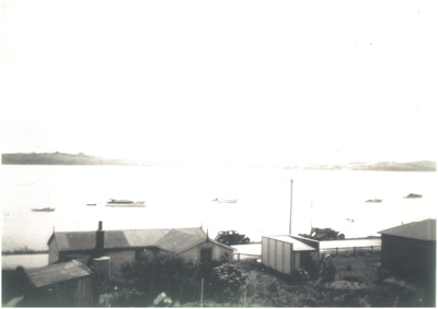 Bucklands Beach and Tamaki River c.1940; c1940; 2017.025.83