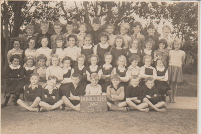Howick District High School Pupils, Std 1E 1952.; Sloan, Ralph S, Auckland; 1952; 2019.072.39