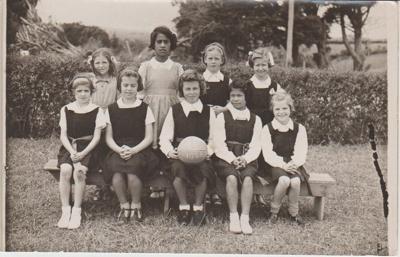 Howick District High School basketball team; Sefton, William John, Penrose; 1946; 2019.071.26