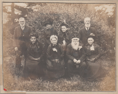 Paton family of Paton's Road; 1897; 2018.402.04