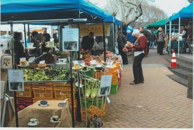 Howick Market in Picton Street; La Roche, Alan; 2012; 2016.225.61