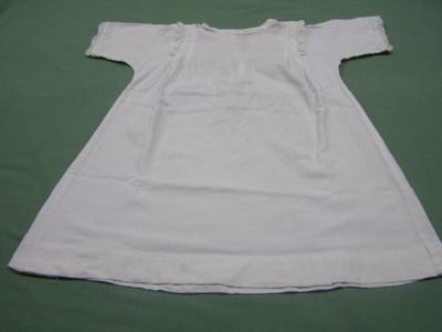 Night Dress; Unknown; 1950-1970; T2016.47