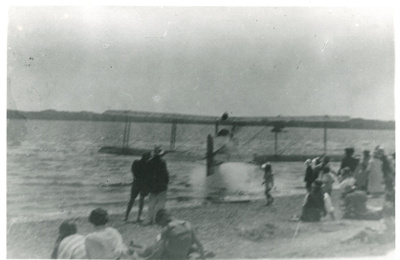 An aeroplane on Howick beach, c1930; Fairfield, Geoff; c1930; 2016.536.41
