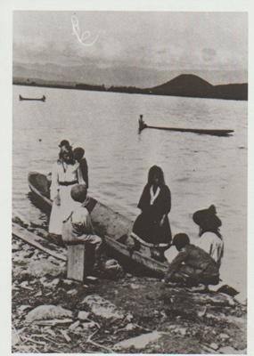Maori trading canoes at Lake Taupo, 1905; 1905; 2017.470.03.