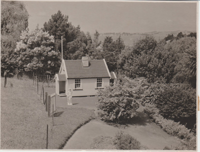 Miniature replica of a double-unit Fencible pensioner's cottage; Breckon, A.N.; 1940s; 2019.091.07
