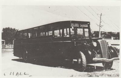 Crawford's Diamond T Model 63 bus; Hall, C; 1938; 2017.494.57