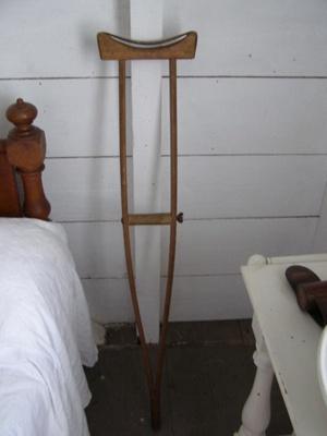 Crutch; 2009.80.1