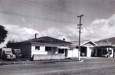 Gandy's Garage (on the right), Cook St, Howick in ...