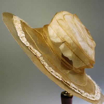 Hat, 2004/0044