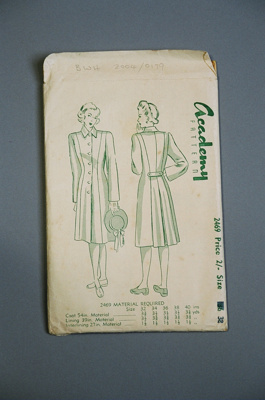 Academy Coat Pattern; Academy Pattern Company Ltd; 2004/0179