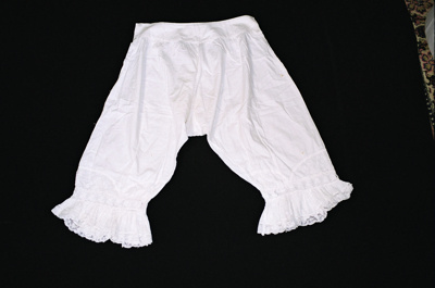 Bloomers; 2004/0259