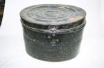Hat box; 2004/0337
