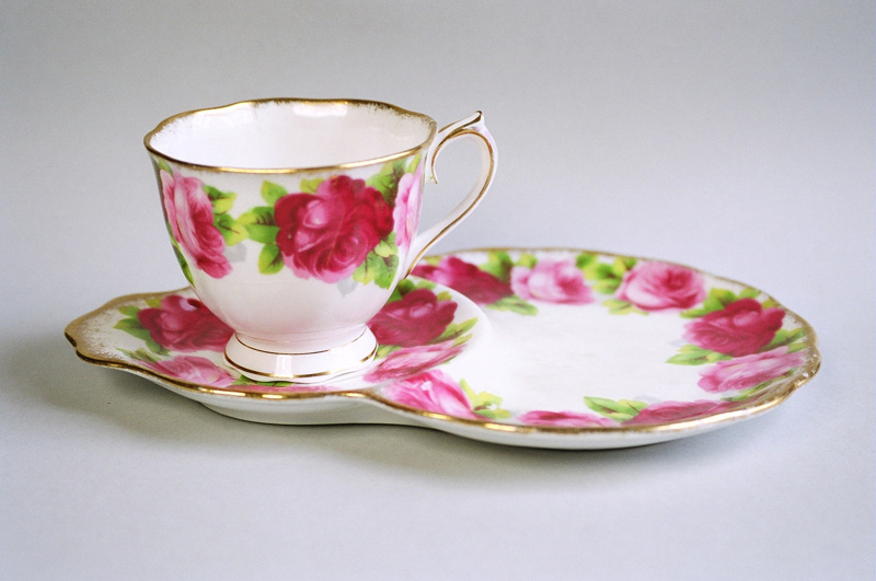 combined saucer plate royal albert 2004 0715 1 on ehive