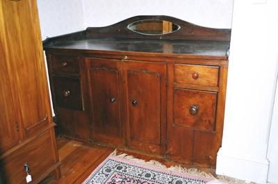 Cupboard unit; 2004/0284
