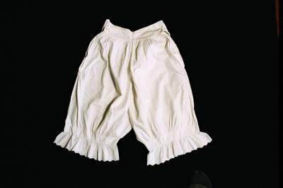 Bloomers; 2004/0415