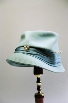 Hat; 2004/0063