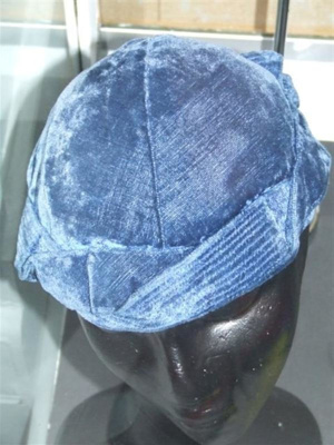 Velvet hat, Unknown, c.1930, 2003.238.0003
