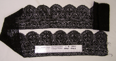 Black bobbin lace; Unknown; Unknown; 1990_1042