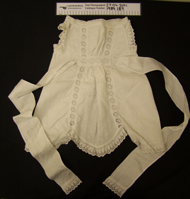 Child's pinafore; Unknown; Unknown; 1989_189