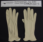 Ladies gloves; Unknown; mid 20th Century; 2006_44_25_1-2