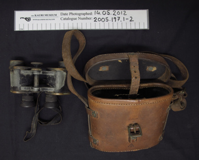 Binoculars in a leather case; OIGEE; 1917; 2005_197_1-2