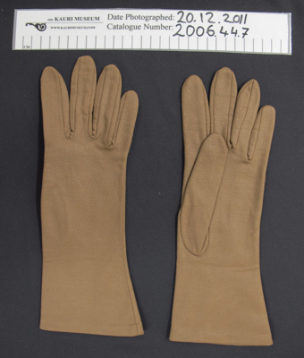Ladies nylon gloves; Chancellor; mid 20th Century; 2006_44_7_1-2