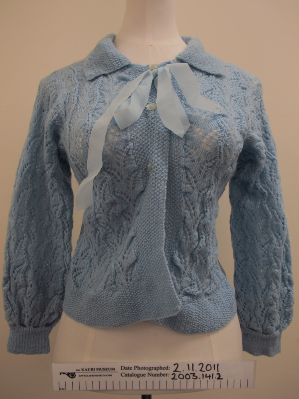 Knitted bed jacket; Unknown; mid 20th Century; 2003_141_2 - The Kauri Museum ...