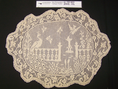 Table mat; Elizabeth (Lizzie) Massey; c.1912; 2002_122