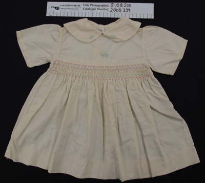 Child's dress; Margaret Cossar; c.1904; 2000_339
