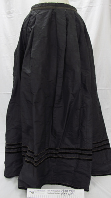 Black taffeta skirt c. late 19th Century; Unknown; late 19th Century; 1989_629