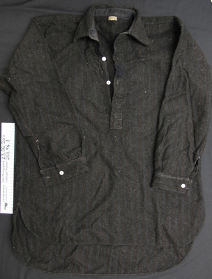 Woollen work shirt; Roslyn; mid 20th century; 2011_96_1