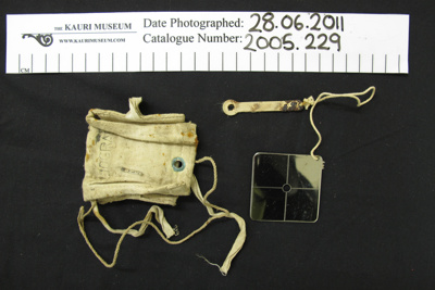 Heliograph and material bag; Unknown; c.1939-1945; 2005_229