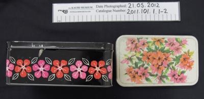 Biscuit Tin; c.1914-1918; 2011_101_1_1-2