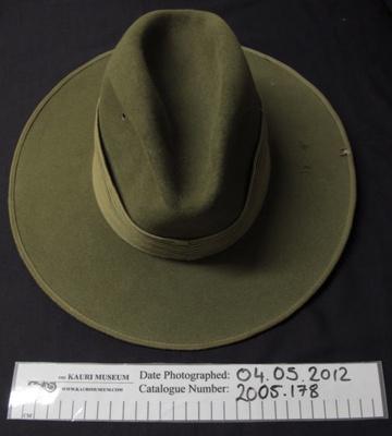 Uniform slouch hat ; 2005_178