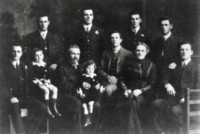The Turner family., TC8452