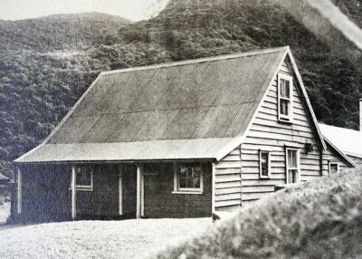 The Gibbons family home at Whatipu., TC7774