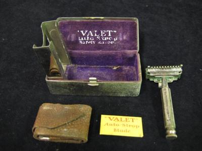 Shaving Set; 1984.4.1
