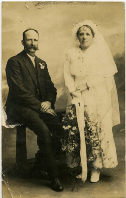 Mr & Mrs Arthur Moon on their wedding day ; X001.57.1