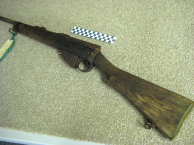 The rifle is (or was) a Lee Enfield Mk 1 'Long tom...