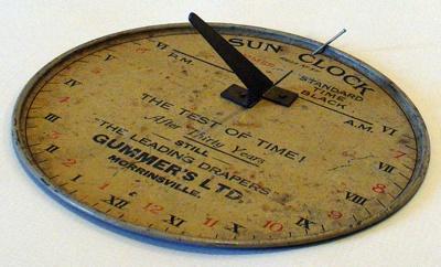 Sun Clock, 3613