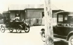 Photograph [Early cars, Owaka]; [?]; early 20th century.; 2010.592