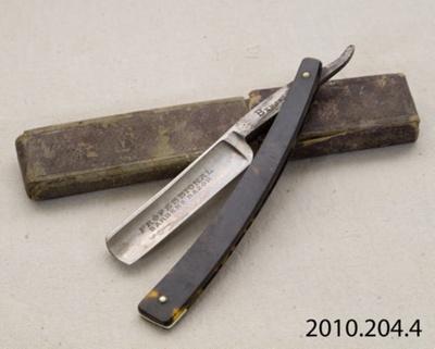 Razor, cut-throat; T R Cadman & Sons; [?]; 2010.204.4